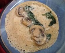 mushroom and spinach crepe